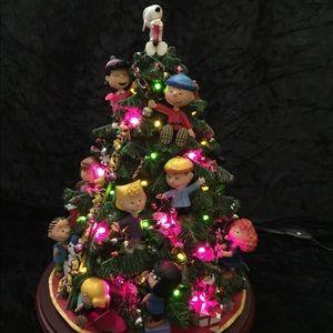 Danbury Mint Peanuts Lighted Christmas Tree.